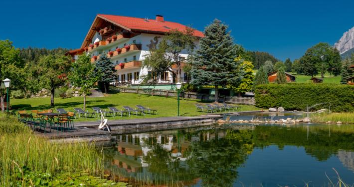 Teich und Liegewiese Hotel Kielhuberhof