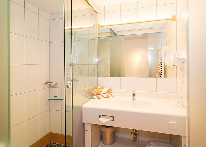 Badezimmer Dreibettzimmer